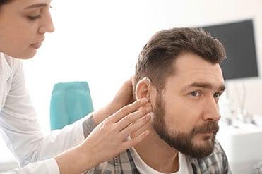 audiologiai-asszisztens-es-hallasakusztikus