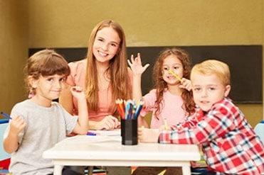 Kisgyermekgondozó, -nevelő szakmai oktatás